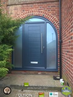 Every Solidor Timber Composite Door comes fitted as standard with Ultion 3 Star Diamond Sold Secure Locks, fully fitted with 12 months Credit Arched Front Door, Grey Front Doors, Arched Doors, House Front Door, Front Door Colors, Glass Front Door, House Entrance, Entrance Doors, Glass Porch