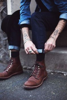 The latest men's fashion including the best basics, classics, stylish eveningwear and casual street style looks. Shop men's clothing for every occasion online Red Wing Boots, Rugged Style, Best Mens Fashion, Look Fashion, Fashion News, Curvy Fashion, Street Fashion, Fall Fashion, Fashion Trends