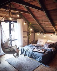 Why attic bedrooms are so cool? Today we share attic bedrooms full of beauty, we are sure that you'll want them as master bedrooms in your home. Dream Rooms, Dream Bedroom, Bedroom Bed, Bedroom Small, Small Rooms, Trendy Bedroom, Cozy Bedroom, Gypsy Bedroom, Bed Rooms