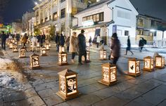 And along the main temple street, hundreds of paper lanterns filled the ground in the Dream Akari-e Exhibition as part of the Nagano Lantern Festival. Each lantern carries a unique paper-cut design by the public in the theme of peace.