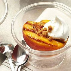 Grilled Peaches with Honey-Balsamic Syrup Makes: 6 servings Serving Size: 1 peach half, 1 to 2 teaspoons balsamic syrup, scant 2 tablespoons dessert topping and 1 gingersnap Carb Grams Per Serving: 25 Grilled Desserts, Grilled Fruit, Grilled Peaches, Diabetic Recipes, Diet Recipes, Dessert Recipes, Cooking Recipes, Fruit Dessert, Diabetic Foods