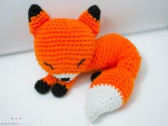 sleeping amigurumi fox from simplykawaii.tumblr.com: