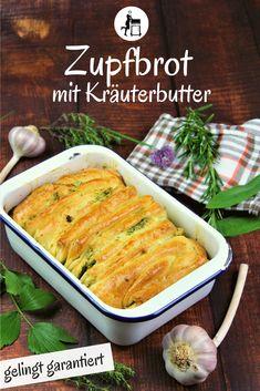 Zupfbrot Rezepte gibt es viele - Dieses Zupfbrot mit Kräuterbutter hält noch einen weiteren Gag bereit: es kommt mit Käse daher. Dieses Faltbrot ist das perfekte Partybrot. Taugt als Vorspeise, Beilage beim Grillen oder auch als Mitternachtssnack! Mit Knoblauch und Kräutern...  #zupfbrot #brot #backen #brotbacken #beilage #salat #gesund #fitness #beilagen #grillbeilagen  #essen #kochen #lecker #rezepte #grillen #bbq  #backofen #party #snack  #vorspeise