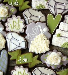 Learn how to use royal icing to make a ruffled wedding dress cookie ~ video tutorial