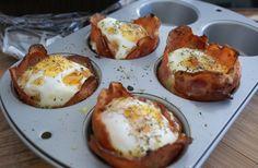 frukostmuffins med ägg och bacon