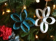 Looking for a Creative Christmas Crafts For Kids. We have Creative Christmas Crafts For Kids and the other about Play Kids it free. Homemade Christmas Decorations, Christmas Ornament Crafts, Star Ornament, Diy Ornaments, Snowflake Ornaments, Recycled Christmas Decorations, Holiday Ornaments, Craft Decorations, Snowflakes Diy Paper