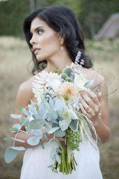 This bouquet is insanely beautiful!!