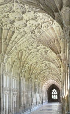 Cathedral, Gloucester, England. A beautiful example of high gothic architecture #gothicarchitecture