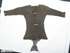 1450-1500, Royal Armouries Full length sleeves and a gusset attached to the rear lower edge, forming a shallow cod-piece.