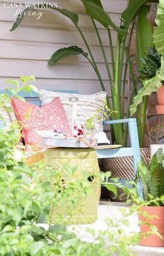 Tropical porch decorating