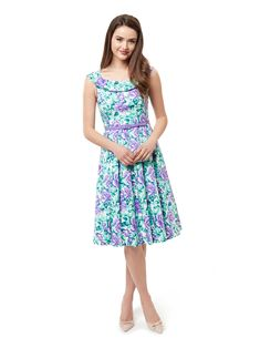 Floral Dress Outfits, Lilac Dress, Girly Outfits, Casual Dresses, Girls Dresses, Casual Clothes, Modest Fashion, Fashion Dresses, Different Dress Styles