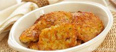 Babičkine cibuľačky Macaroni And Cheese, Bakery, Chicken, Ethnic Recipes, Food, Potato Onion, Peeling Potatoes, Food Portions, Easy Meals