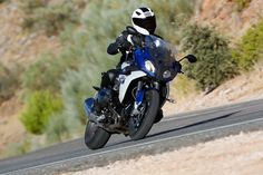 2015-BMW-R1200RS-action-37.jpg (2000×1333)