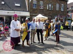 Oberbürgermeister Thomas Kufen (3.v.l.) und Günter Kirsten, Vorsitzender der…