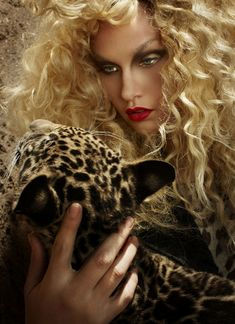 Molly O'Connell . America's Next Top Model, Cycle 16 >  Photo Shoot 4: Faux Fur with a Baby Jaguar