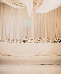 white wedding party table @weddingchicks