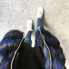 Día complicado y vos con zapatillas para poder llegar a hacer todo! 🏃🏻 #fur #shoes #day #out #style #look #out #fashion #trendy #chic #run #argentina #instagood #instadaily #instamood #like4like #love #live #happy #outfit #winter #cold #nofilter #friends #bag #love #live #enjoy #sun #buenosaires #argentina #blue