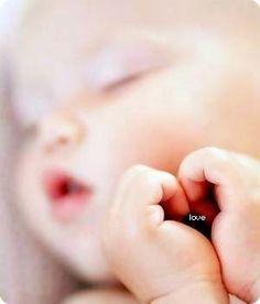 sooo sweet!! The hands make a heart <33