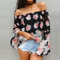 Look verão com short de cintura alta e blusa ombro a ombro.