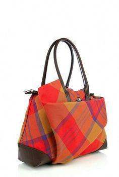 5157d75b2f4 #Pradahandbags Tartan Plaid, Engelse Fashion, Burberry Handtassen,  Portemonnees En Tassen, Portefeuilles