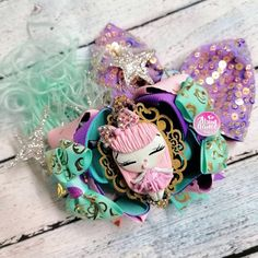 Sweet zombien pastel Girl Balerina, Baby Headbands, Abundance, Hair Bows, Pastel, Sweet, Crafts, Manualidades, Ribbon Hair Ties