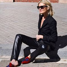 PATRIZIA CASARINI 🇮🇹 (@patzhunter) • Photos et vidéos Instagram Older Models, Minimal Chic, Style Icons, Leather Pants, Instagram, Slippers, My Style, Womens Fashion, Outfits