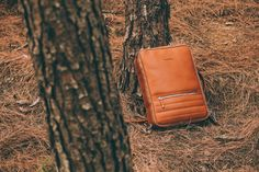 The 48Hr Switch goes well with any environment, whether is a busy office or the middle of nature.  #leather #bag #messager #briefcase #backpack #camera #photography #travel #design #modern #stylish #entrepreneur #kickstarter