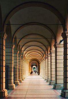Arcades - Bologna, Italy #ESISsrl #Formazione #WebMarketing www.esis-italia.com