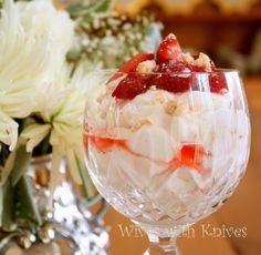 Nigella's Eton Mess Best Summer Desserts, Summer Recipes, Just Desserts, Cold Desserts, Dried Strawberries, Strawberries And Cream, Grilled Chicken Pasta, Eton Mess, Nigella