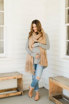 Fall Wardrobe Essentials for 2017 - Lauren McBride Fall Maternity Outfits, Stylish Maternity, Maternity Wear, Maternity Fashion, Maternity Style, Stylish Pregnancy, Fit Pregnancy, Pregnancy Style, Maternity Photos