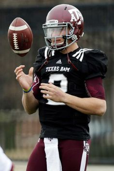 Texas A quarterback Johnny Manziel (2) tosses a ball during practice for the Cotton Bowl NCAA college football game, Sunday, Dec. 30, 2012, in Dallas. Texas A is scheduled to play Oklahoma on Jan. 4, 2013. (AP Photo/LM Otero)