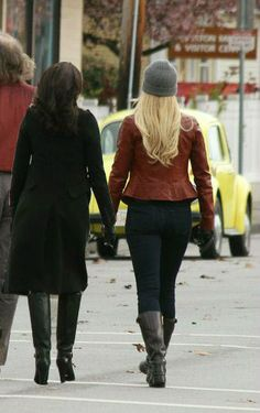 SwanQueen is reeal Ouat, Once Upon A Time, Womens Thigh High Boots, Regina And Emma, Cute Lesbian Couples, Pretty Little Lairs, Queen Love, Swan Queen, Girl Couple