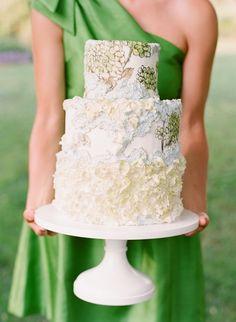 Vintage Wedding Cakes | Maggie Austin wedding cake | Katie Stoops #wedding
