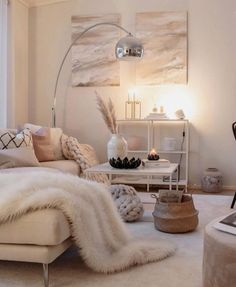 Boho chic bedroom, bohemian decor и bedroom decor. Grey Interior Doors, Room Interior, Living Room Decor, Living Spaces, Bedroom Decor, Living Rooms, Boho Chic Bedroom, Budget Home Decorating, Decorating Ideas