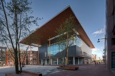 Leeuwarden, Paesi Bassi: Fries Museum by Bierman Henket Architecten A As Architecture, Fries, Round The World Trip, Modern Architects, Glass Facades, Old Building, Netherlands, Exterior, Landscape