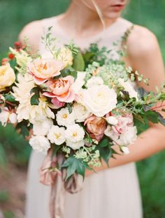 Romantic and soft bouquet perfect for a spring wedding