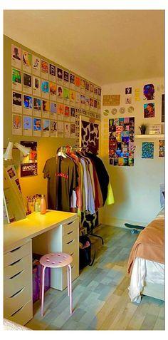 Indie Bedroom, Indie Room Decor, Aesthetic Room Decor, Aesthetic Indie, Aesthetic Vintage, Room Design Bedroom, Room Ideas Bedroom, Bedroom Decor, Bedroom Inspo