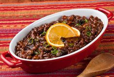 This dinner favorite combines sweet molasses and refreshing Orange Juice for an exceptional tasting Florida Orange Molasses Baked Bean dish. Citrus Recipes, Wine Recipes, Salad Recipes, Cooking Recipes, Snack Recipes, Food Dishes, Side Dishes, Baked Beans With Bacon, Florida Oranges