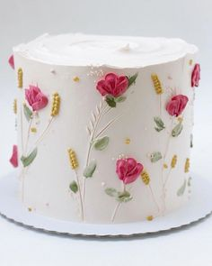 Charming substituted cake decor ideas No Credit Card Required Gorgeous Cakes, Pretty Cakes, Cute Cakes, Amazing Cakes, Cake Decorating Videos, Cake Decorating Techniques, Flores Buttercream, Lemon Buttercream, Spring Cake