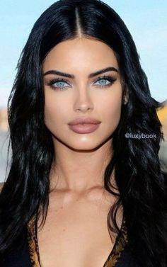 Stunning Eyes, Beautiful Person, Beautiful Gorgeous, Gorgeous Women, Brunette Beauty, Hair Beauty, Flawless Face, Curvy Girl Fashion, Pure Beauty