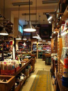 New sewing shirt tutorial upcycle Ideas Mercerie Paris, Boutique Haute Couture, Deco Paris, Boutiques, Haberdashery Shop, Paris Tips, Sewing Shirts, Shirt Tutorial, Boutique Deco