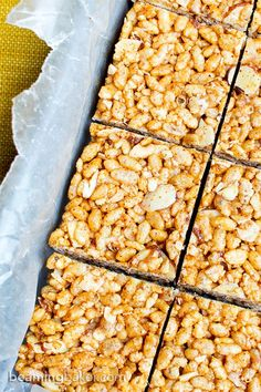 Toasted Coconut Almond Rice Crispy Treats (V+GF): a 5 ingredient recipe for delicious protein-packed toasted coconut rice crispy treats. Vegan, Gluten Free.