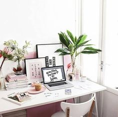 I admire hard work and beautiful workspaces . . . . #homelifebliss #homeoffice #officegoals #officedecor #workspace #onmydesk #officeinspo #workspaceinspo #girlboss #entrepreneur #womenentrepreneurs #workingfromhome
