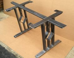 Diseño mesa de comedor patas tres bares con por MetalAndWoodDesign