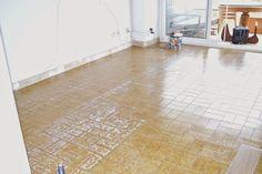 diy-cambio-suelo-casa-lamas-vinilo-autoadhesivo-leroy-merlin Tile Floor, Diy, Flooring, Crafts, Home Decor, Ideas, Vinyls, Home Decoration, Interior Design