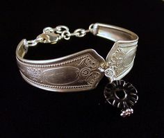Victorian silver spoon bracelet with carved onyx bead by Laura Beth Love Dishfunctional Designs Silverware Jewelry, Gems Jewelry, Jewelry Ideas, Diy Jewelry, Jewelery, Jewelry Making, Silver Spoons, Silver Bangles, Spoon Bracelet