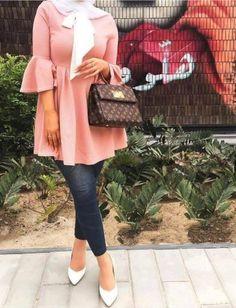 ruffle blouse-Simple casual hijab outfits – Just Trendy Girls Hijab Fashion Summer, Modern Hijab Fashion, Abaya Fashion, Muslim Fashion, Kimono Fashion, Modest Fashion, Hijab Style, Hijab Chic, Hijab Dp
