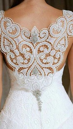 Super wedding gown