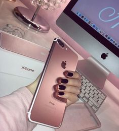Find images and videos about pink, nails and iphone on We Heart It - the app to get lost in what you love. Coque Iphone 6, Pink Iphone, Iphone Phone, Iphone Cases, Iphone 7 Rose Gold, Iphone 8 Wallpaper, Telefon Apple, Iphone 8 Plus, Apple Iphone