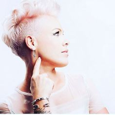 I can already hear the christmas bells ringing in my ear   P!NK (Alecia Beth Moore) Fanclub  http://ift.tt/2uNVxEO